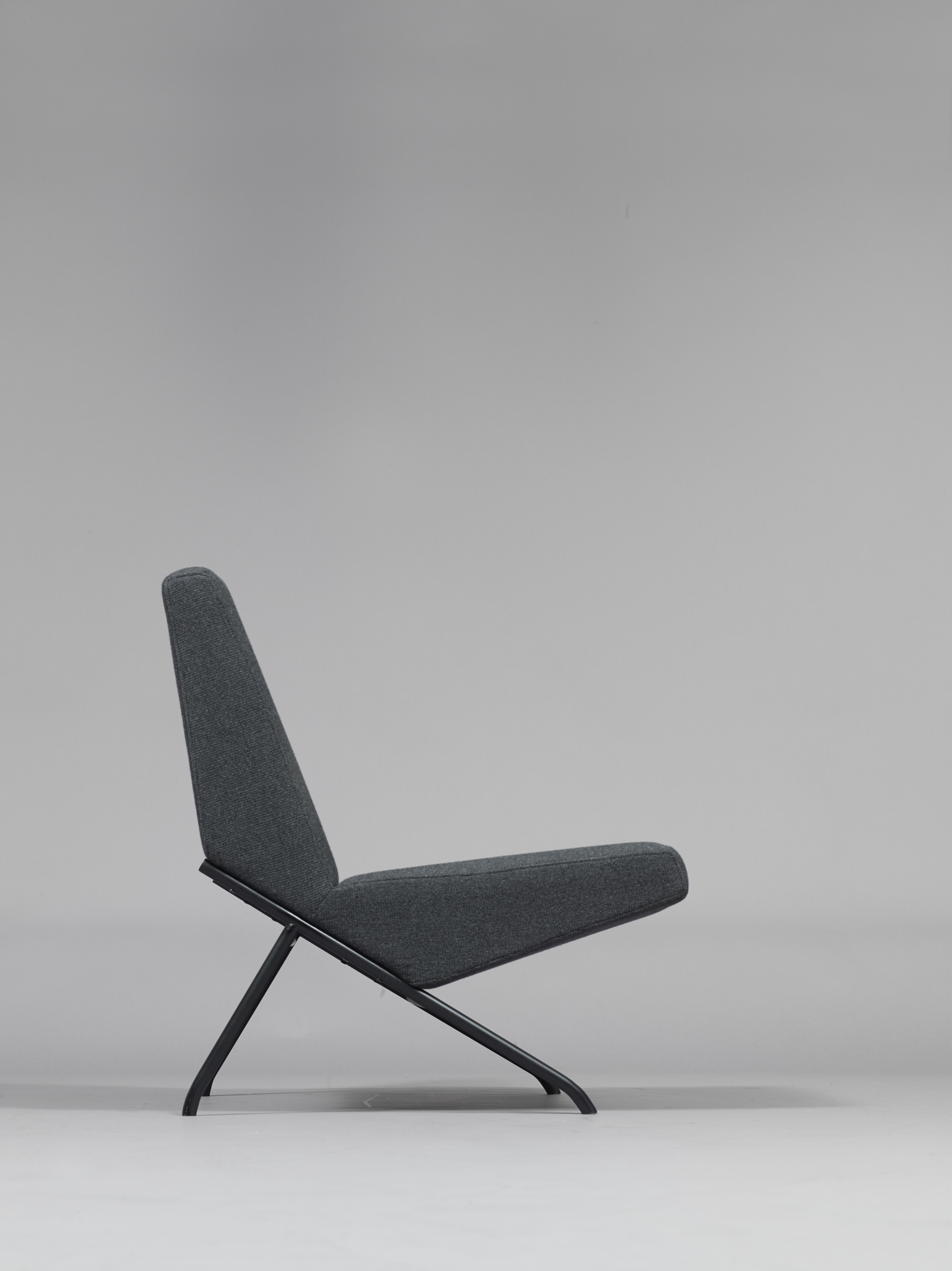 Design fran ais architectural minimaliste expos la for Design francais